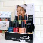 Hos Annika kan du også købe vinylux til neglene