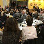 Verdensml og visionsdebat hittede hos borgerne-lytter-i-multisalen-holbergskolen-dianalund