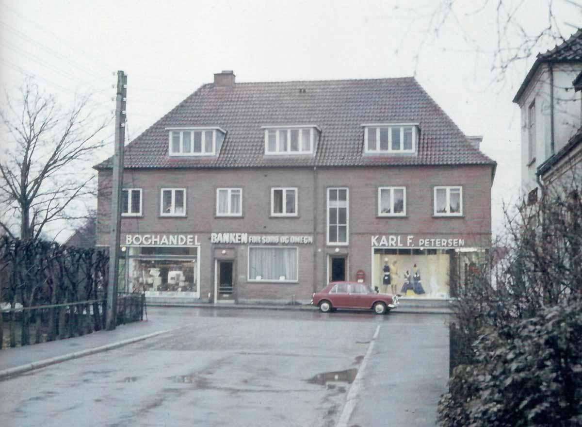 04a6ec1f82c1 Det go e hjørne i Karl F. Petersens gamle butik - Dianalund